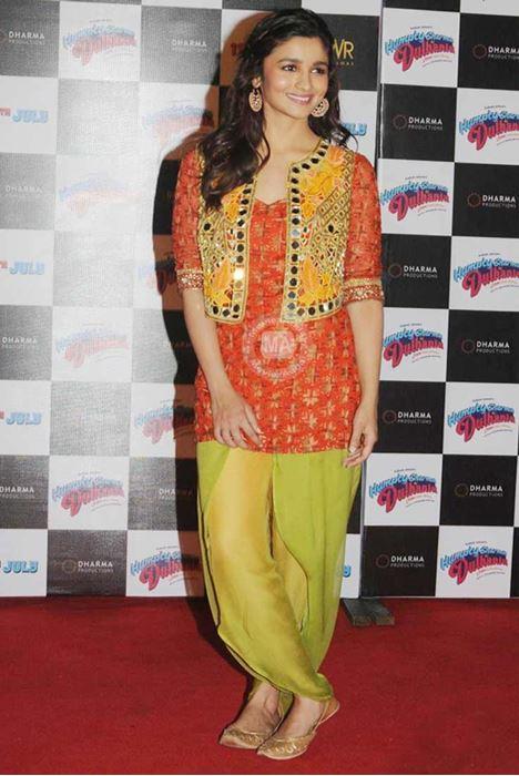 Alia Bhatt in gold jutties