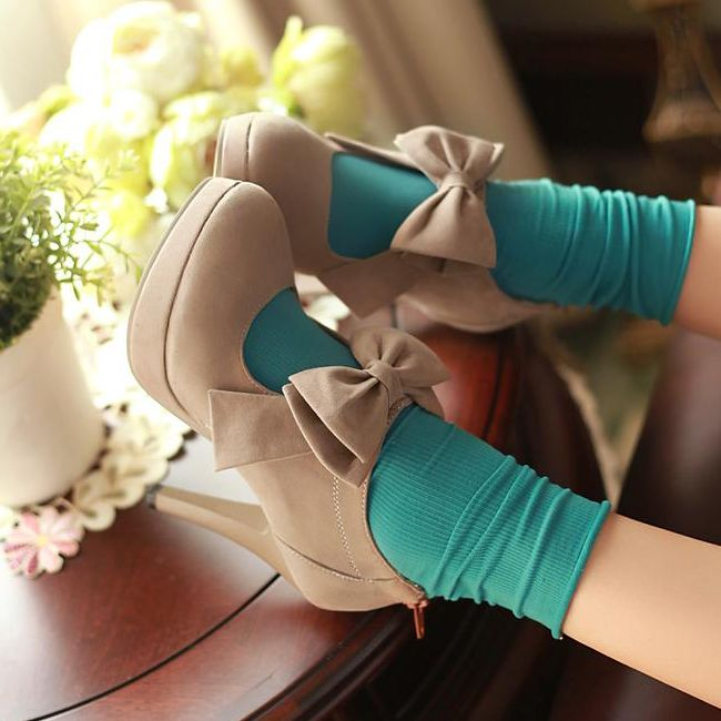 Bow Style Pumps
