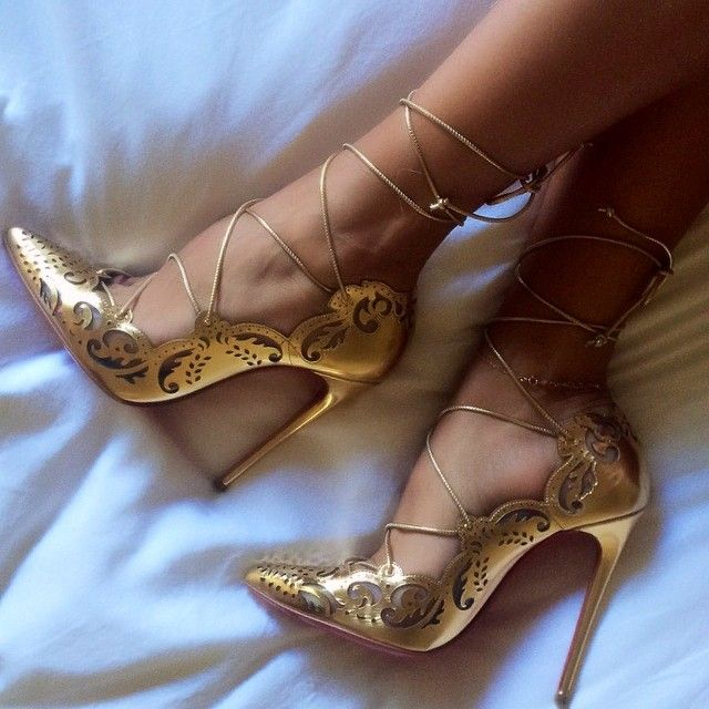 Long Straps Pumps