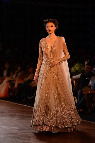 A model in Manish Malhotra