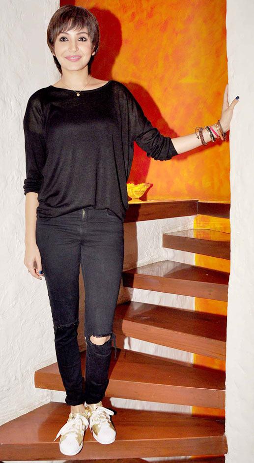 Anuskha Sharma in bling flats
