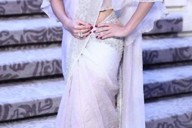 Saree Styles - A Modern Twist to Follow
