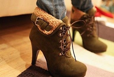 Turned down Upper Style Boots