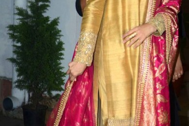 Aishwariya in Golden Tussar Kurta