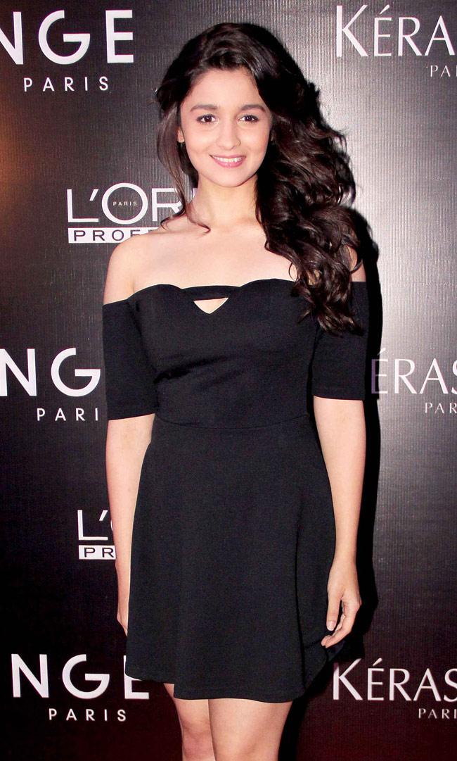 Alia Bhatt in off shoulder dress
