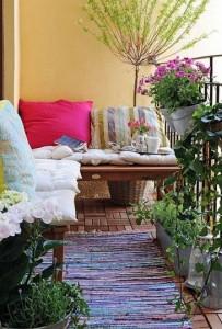 Seating arrangement for balconies
