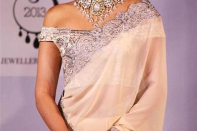 Sonam Kapoor - Off Shoulder Blouse