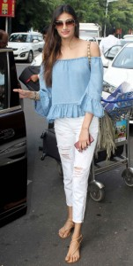 Athiya shetty in frill top
