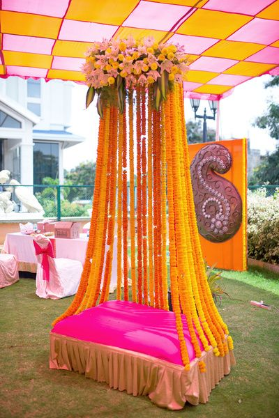 Decor ideas for mehndi ceremony threads for Mehndi decoration