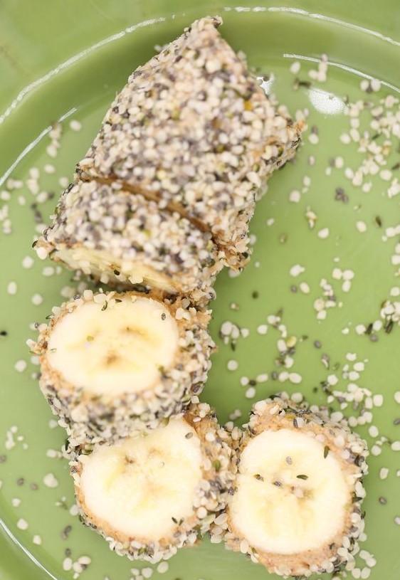Banana and nuts sushi