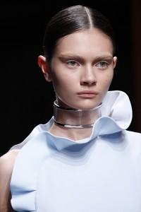 Transparent neckpeice