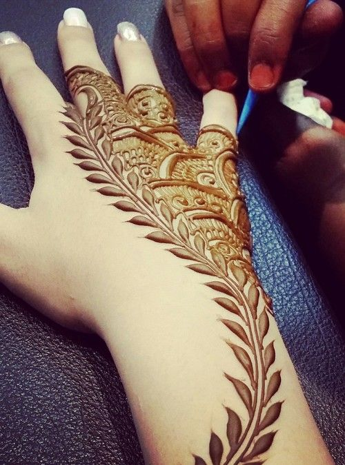 Leaf Inspired mehndi design