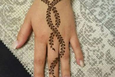Leaf Print Mehndi designs