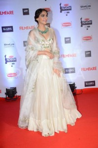 Sonam Kapoor In white lehnga choli
