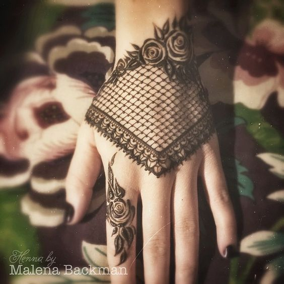 Lace glove heena