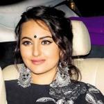 Kolhed Eyes And Bindi Trend