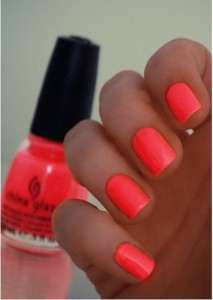 Coral nailpaint for summers