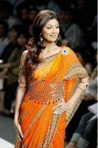 Jewelled belt for saree