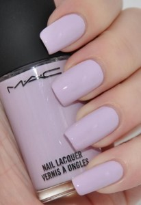 Lilac nail paint for summers