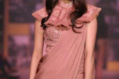 Plain saree with corset