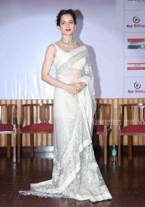 Plain saree with jewlery