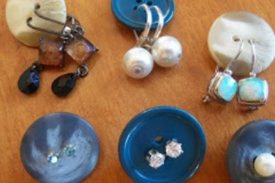 Reuse Household Items To Organize Jewelry