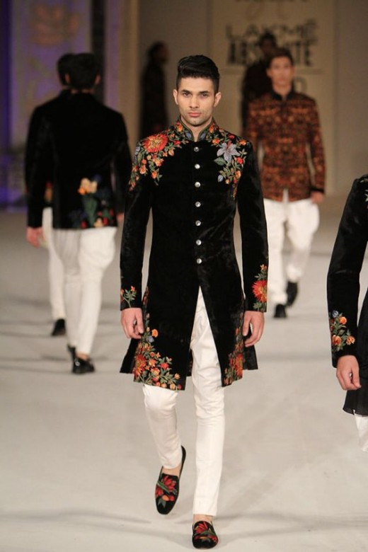 Embroidered velvet jackets for men's