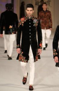 Embroidered velvet jackets for men's