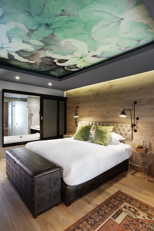 Make a modern home with ceiling wallpapers threads for W hotel bedroom designs
