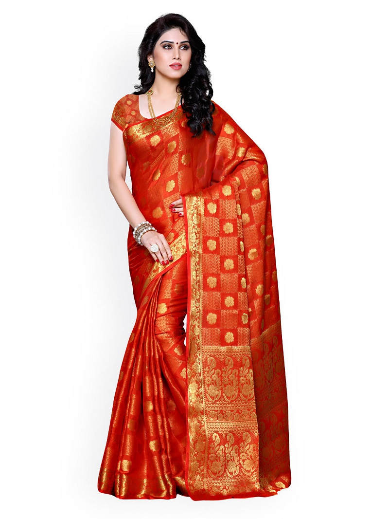 Choose Gorgeous Ethnic Outfits For Your Mother Fashion