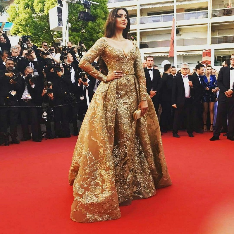 Sonam Kapoor in a gold Elie Saab gown 4