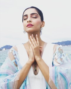 Summer ready outfit of Sonam Kapoor Cannes 2017