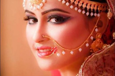 Pearl drop nose pin for brides