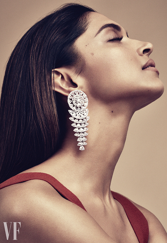 Triangular rose cut white diamond earrings