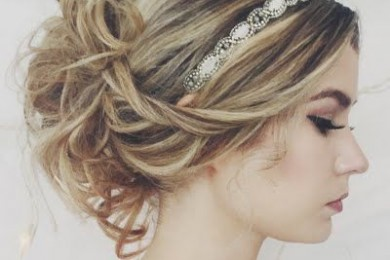 4 Romantic Hairstyles With Headbands