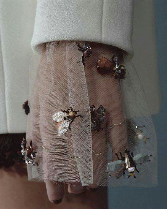 Insects inspired embroideries for clothing