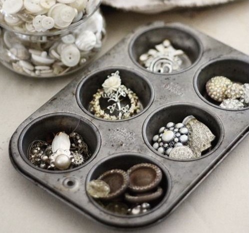Muffin tray for jewelry storage
