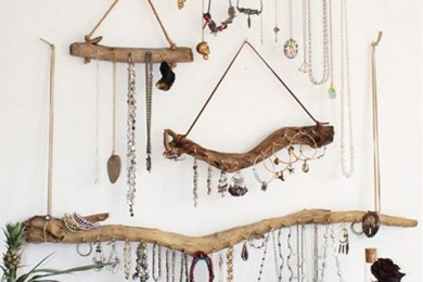 Wooden sticks for jewellery storage