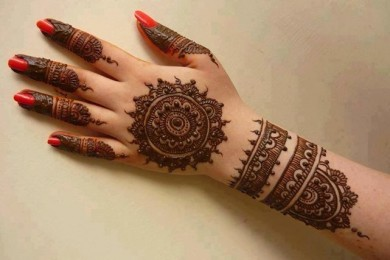 How To Apply Mehndi Design With The Help Of Bangle