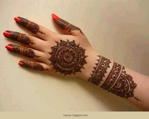 How to create mehndi design with a bangle