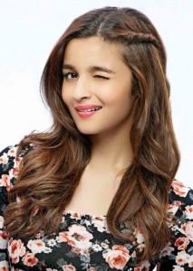 Alia Bhatt in side twist