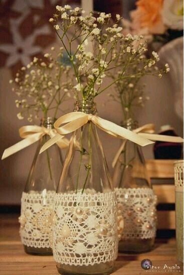 Flower vase with lace