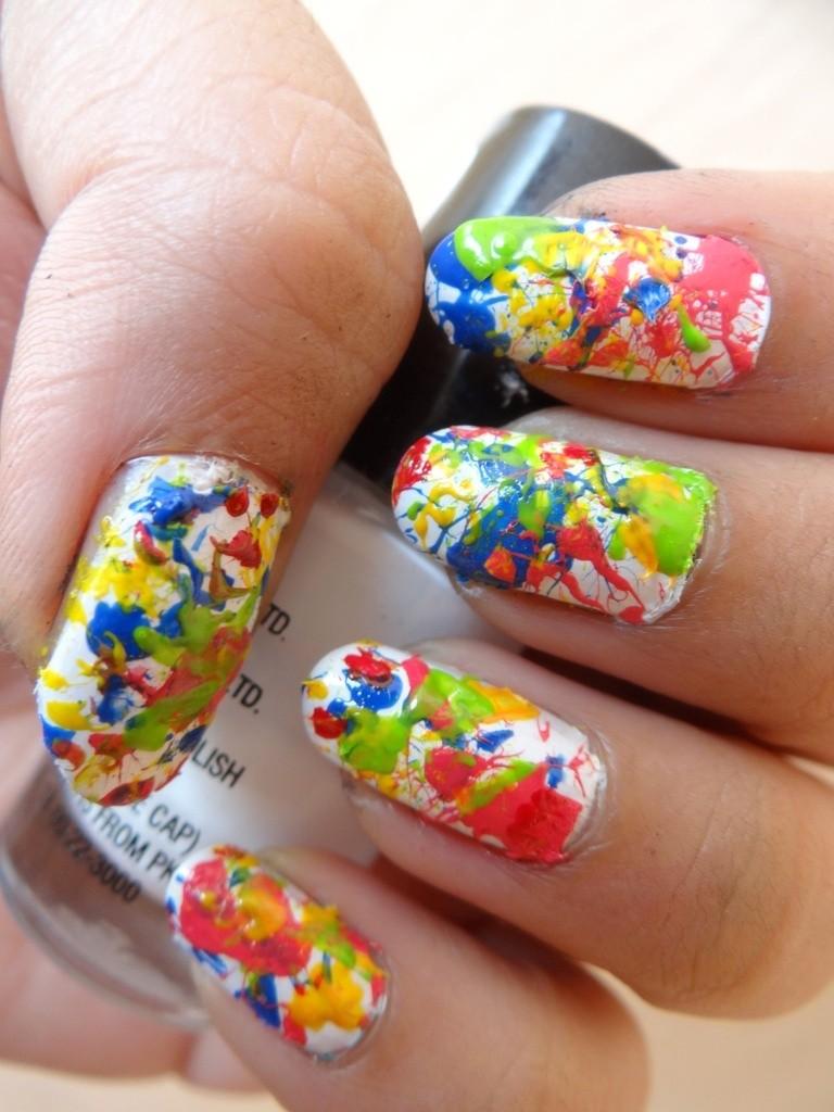 Holi nail art