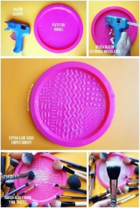 Make up brush cleaner mat