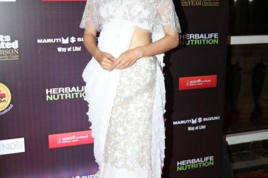Taapsee Pannu in off shoulder saree blouse