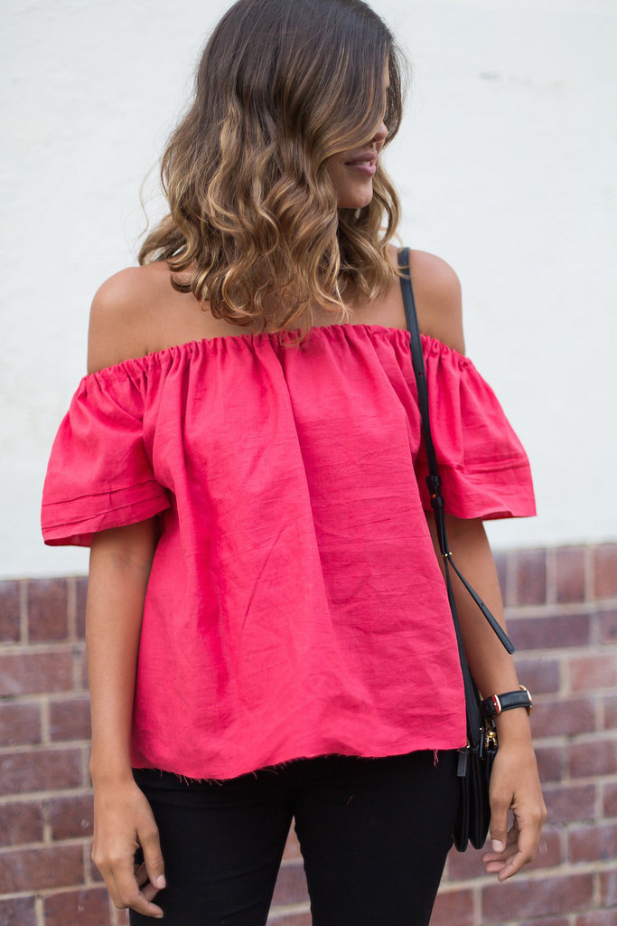 DIY Off shoulder top from an old T-shirt