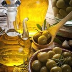 Olive oil for fighting wrinkles-Threads-WeRIndia