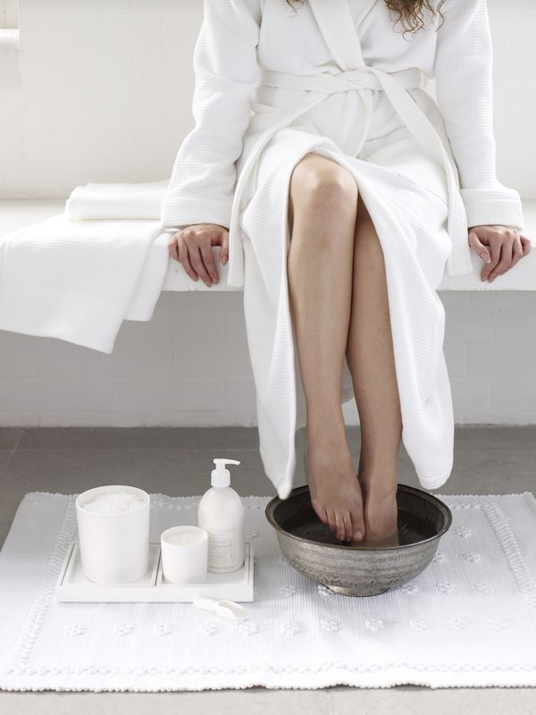 Treating foot pain after wearing heels