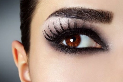 Make Kajal or gel liner at home