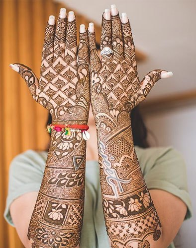 Mehndi with husband name